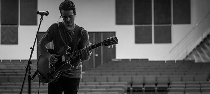 Chisco Chaves debuta como solista con el álbum «Constante»
