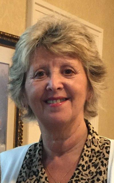 Foto 4- Alicia Güerci Hotton cuenta con más de 35 años de trayectoria y experiencia en traducción, edición y coordinación editorial de literatura cristiana.