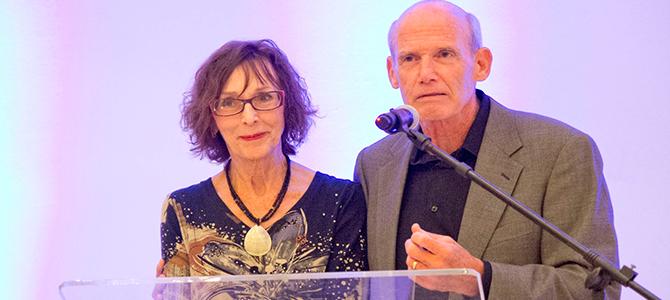 Jim y Elizabeth George conquistan el corazón de Panamá