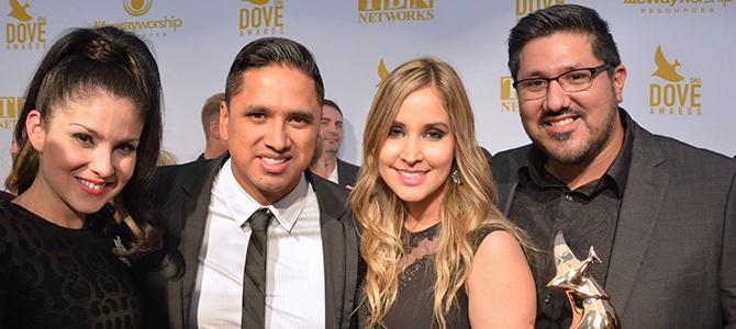 Miel San Marcos recibe su primer Dove Award por «Como En El Cielo»