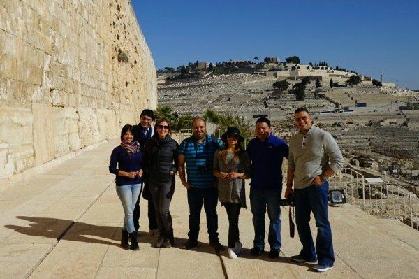 Fuente Latina organiza el primer tour a Israel con periodistas cristianos portada