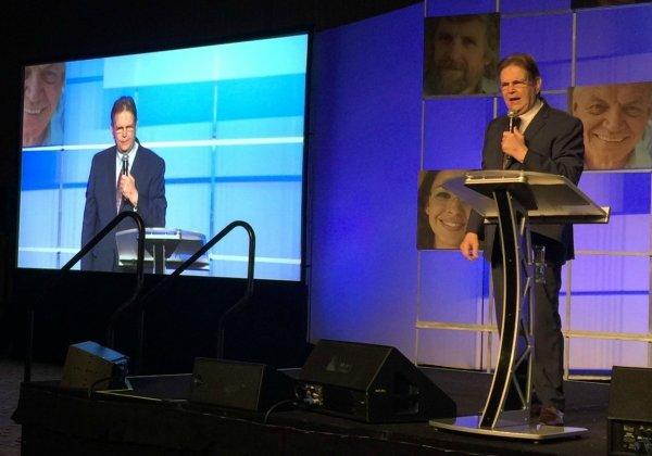 Foto 1 Evangelista Reinhard Bonnke, Fundador de CfaN Cristo Para Las Naciones