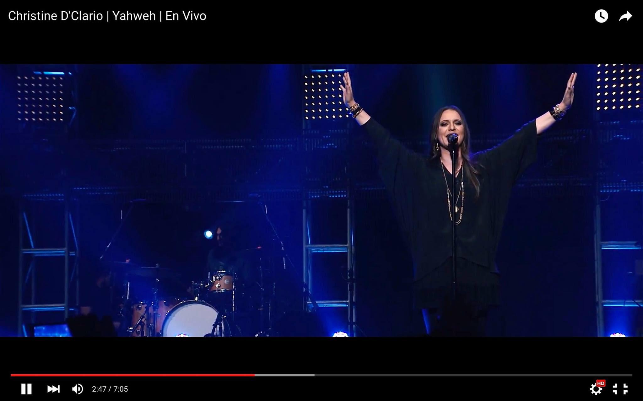 Christine D'Clario  lanza videos de  «Eterno Live» completamente gratis2