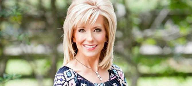 Beth Moore estará en Miami participando en la conferencia  Living Proof Live