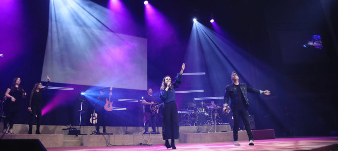 Julissa y Daniel Calveti cantan a dúo «Espíritu de Dios»