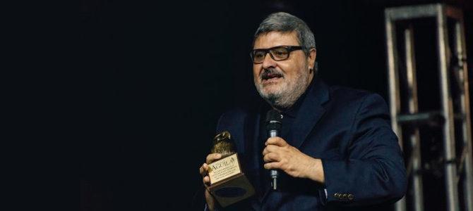 Premio Águila brinda homenaje a Esteban Fernández