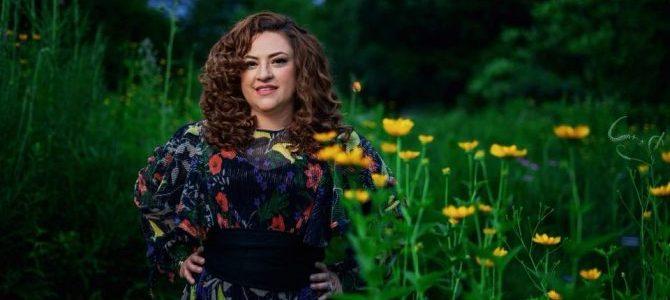 Laura Colorado presenta «Sé que todo es posible», un tema escrito por Jacobo Ramos