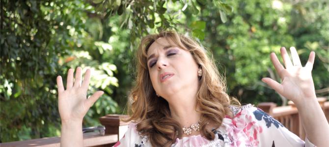 Tras varios intentos de suicidio Silvana Armentano afirma fue rescatada «Por la Sangre de Cristo»